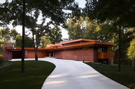 Austin House   W  Avondale Dr   Greenville  South Carolina    Austin House   W  Avondale Dr   Greenville  South Carolina     Usonian   Frank Lloyd Wright    Wright  d the property  Broad Margin  whic