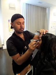 do you see the secret brush and black black brush in the hands of the makeup artists soft hair of the brush minimizes skin irritation and makes makeup