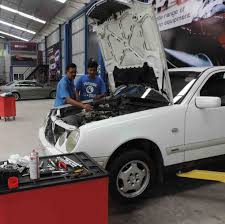 introducing a novel service concept to the sri lankan market fully integrated auto care specialists ultimate motorworks announced the launch of its first