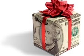etiquette of giving cash as wedding g