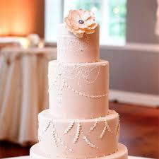 The Wedding Cake Debate Buttercream Vs Fondant Brides