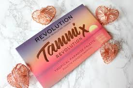 tammi is a your that collaborated with revolution to create this very colourful palette judging by the name tropical paradise you already get the
