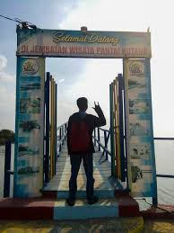 Harga tiket masuk pantai kutang. Pantai Kutang Lamongan Wisata Alam Jawa Timur Yang Menggelitik Telinga