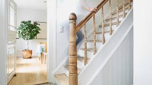 Treppen unterscheiden sich durch ihren einsatzort, als auch ihre unterschiedlichen formen. Was Tun Wenn Die Holztreppe Knarrt Tipps Vom Experten