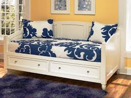 Cozy Daybed Mattress Cover for Your Furniture: Contemporary Daybed ...