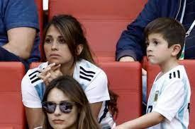 أنتونيلا روكوزو.. النصف الآخر وحب الطفولة لبرغوث برشلونة