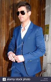 Paris France Robin Thicke Looks Sharp In A Blue Suit And
