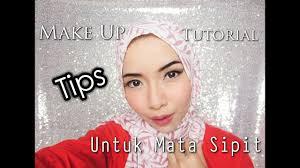 make up tutorial tips untuk mata sipit cikal ananda