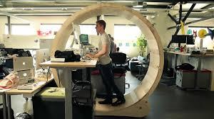 kinesiology experts debate the benefits of standing desks