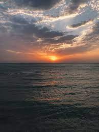 "Bader Milazzo on Twitter: ""أُحب البحر وأحب الغيوم، الشروق والطيور. دائماً  أشعر بشعور جميل عندما تكون لحظة الشروق غائمة ☁️💛.… """