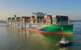 Im april 1956 fuhr das erste containerschiff von new jersey nach texas. Weltgrosstes Lng Containerschiff Macht Erstmals In Hamburg Fest Osterreichische Verkehrszeitung
