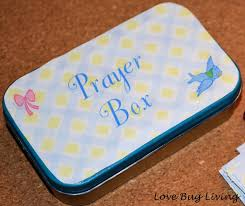 looking for that special last minute gift for mom make her a prayer box for her purse upcycled from an altoids tin you will need an empty altoids tin