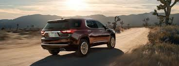 2018 chevrolet traverse. contemporary chevrolet performance of the 2018 chevrolet traverse on a dirt road with chevrolet traverse e