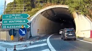 Autostrada A10 da GE-Centro a GE-Aeroporto dopo crollo Ponte Morandi nuova  viabilità - YouTube