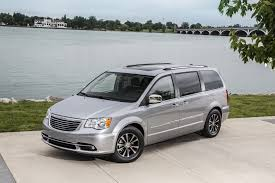 2016 chrysler town country review