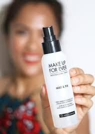 3 besten makeup setting sprays um ihr gesicht aus dem schmelzen in der hitze