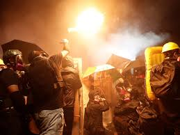 Politie in Hongkong: 'Steeds meer jongeren doen mee aan rellen' | NU - Het  laatste nieuws het eerst op NU.nl