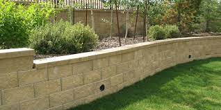 retaining wall options when landscaping