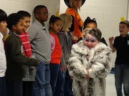 photo credit amanda golden fayetteville ga fayette elementary student dressed as cruella deville from disney s 101