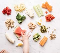 Trẻ mấy tháng ăn bột mặn được? Nấu bột ăn dặm thế nào là đúng cách?