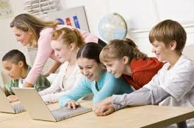 Resultado de imagen para picture of kids studying on computers