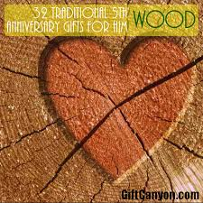 5th traditional wdding anniversary gifts for him wood