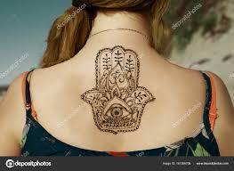 Mehendy хна татуировки на спине стоковое фото Melanjurga 161386706