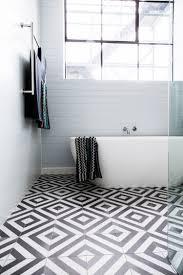 Badezimmer Fliesen Modern Minimalistisch Boden Schwarz Weiss