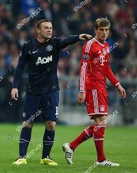 Wayne Rooney Manchester United gestures alongside rumoured Editorial Stock  Photo - Stock Image