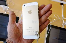 apple iphone 5s gold. apple-iphone-5s-gold-hands-on-1 apple iphone 5s gold l