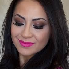 brown y eyes and hot pink