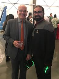 """Vincent Kirk on Twitter: """"Got to meet the awesome and kind @RobertPicardo  at tonight's @LAyurisnight! It was a rad way to start a thoroughly  enjoyable night.… https://t.co/EN5OZliCAs"""""""