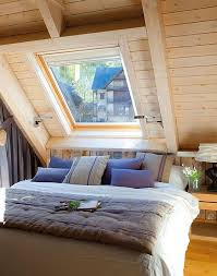 Attic-bedroom-Interior-Design-Small-Cottage-Sweet-Life-