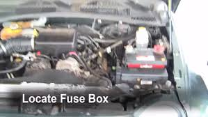 replace a fuse 2002 2007 jeep liberty 2002 jeep liberty limited jeep liberty fuse box replace a fuse 2002 2007 jeep liberty