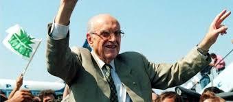 22 χρόνια χωρίς τον Ανδρέα Παπανδρέου: Η επίσκεψη στην Κύπρο και το έμπρακτο δείγμα συμπαράστασης στον αγώνα μας - Apopseis