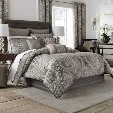five things you should know collection including charming bedroom comforter and curtain sets pictures quilts curtains also best comforters ideas picture