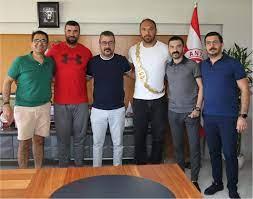 Başpehlivan Ali Gürbüz, Başkanımızı Ziyaret Etti | KULÜP | Antaly