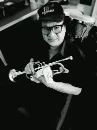 พี่แดง เสน่ห์ ศุภรัตน์ มือทรัมเป็ต วงแกรนด์เอ็กซ์ เสียชีวิตแล้ว  วงการเพลงสุดอาลัย