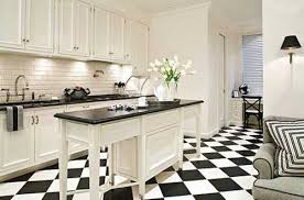 Black And White Kitchen Decorating Ideas