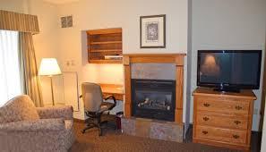 stone gate inn studio fireplace work area 42 flat screen tv and gas
