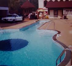 1979 Guitar shaped pool in Nashville , Tennessee My name was put ...