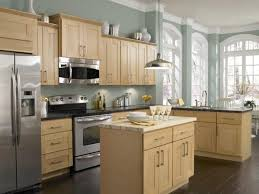 Light Wood Cabinets Kitchen Kitchen Flooring Ideas Oak Cabinets Picture Gallery Of Kitchen
