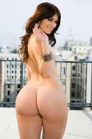 Babe big butt nude