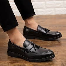 2019 new mens patent leather shoes luxury tassel loafers slip on office formal dress shoes men