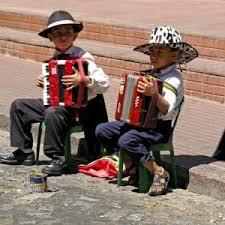 """Résultat de recherche d'images pour """"belles photos d'enfants a l'accordéon"""""""