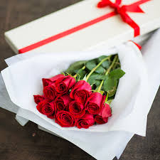 one dozen red roses in gift box send to philippines