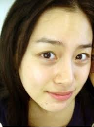 when kim tae hee washes her face she tries not to use her hands too much she says rubbing your face with your hands increases wrinkles