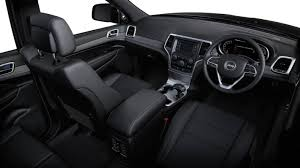 2014 Jeep Grand Cherokee Laredo interior |
