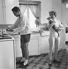Sid Avery, Paul Newman and Joanne Woodward in the Kitchen of their Beverly  Hills Home, 1958, printed later | Peter Fetterman Gallery