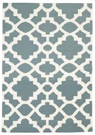 flat weave trellis design light blue white rug 225x155cm